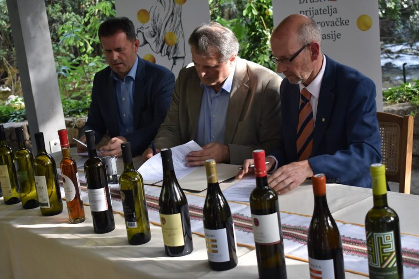 """Načelnik Lasić na radionici """"Radosna napitnica Malvasiji"""": Naši vinari i podrumari su na pravom putu!"""