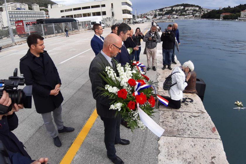 """Načelnik Lasić i zamjenik Radonić odali počast žrtvama potonoća """"Aurore"""", dogovoreno postavljanje spomen ploče u gruškoj luci"""