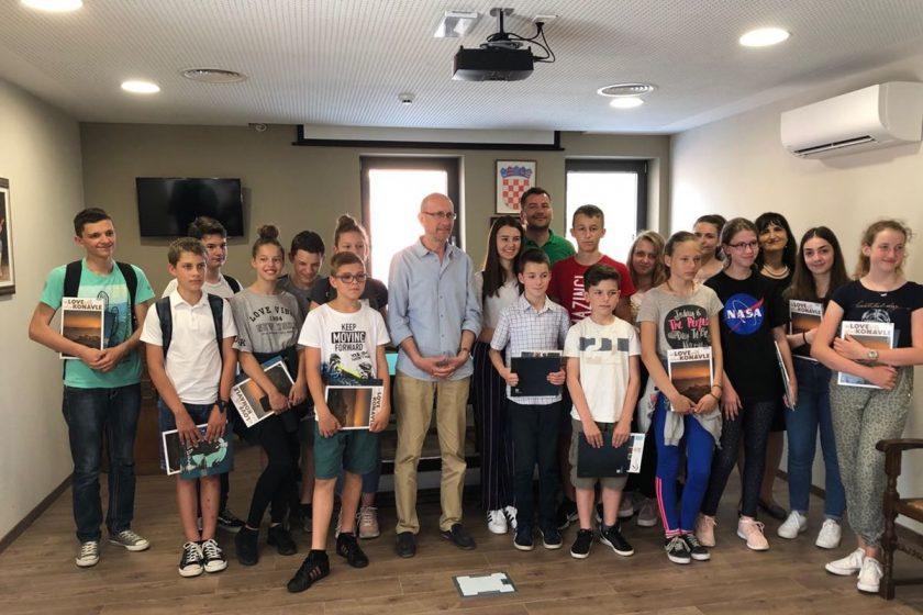 Načelnik Lasić sa suradnicima primio učenike i ravnateljice OŠ Cavtat i OŠ Gruda