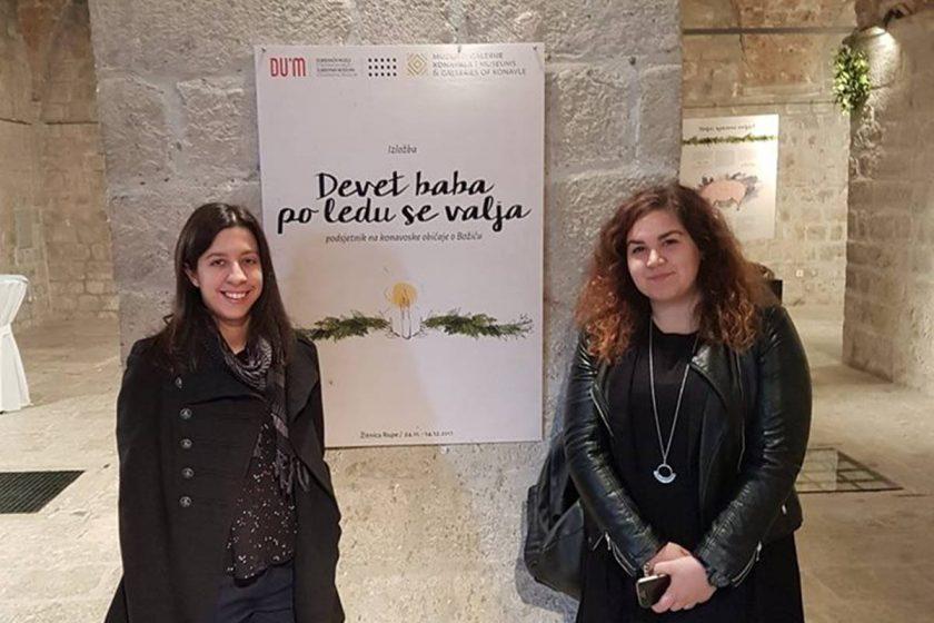 DEVET BABA PO LEDU SE VALJA Izložba Muzeja i galerija Konavala koja konavoske božićne običaje otima zaboravu