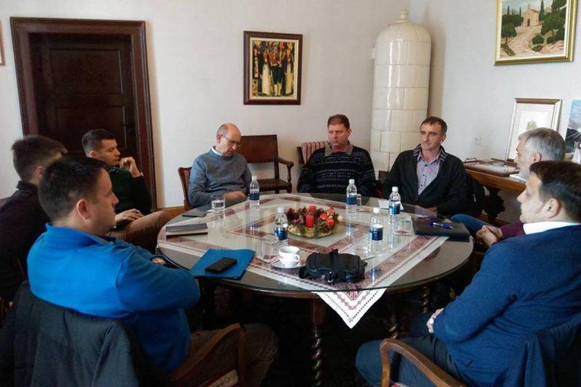 Načelnik Lasić s predstavnicima HEP-a razgovarao o projektima u Moluntu, na Grudi i Ljutoj