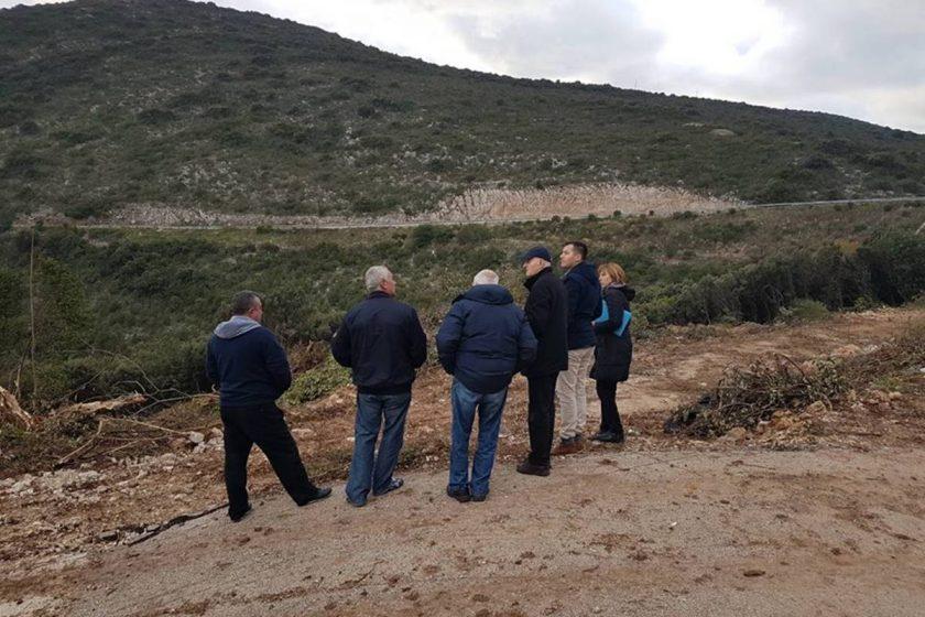 Zamjenik Radonić s mještanima Vitaljine i predstavnicima Ministarstva dogovorio rješenje za novi granični prijelaz