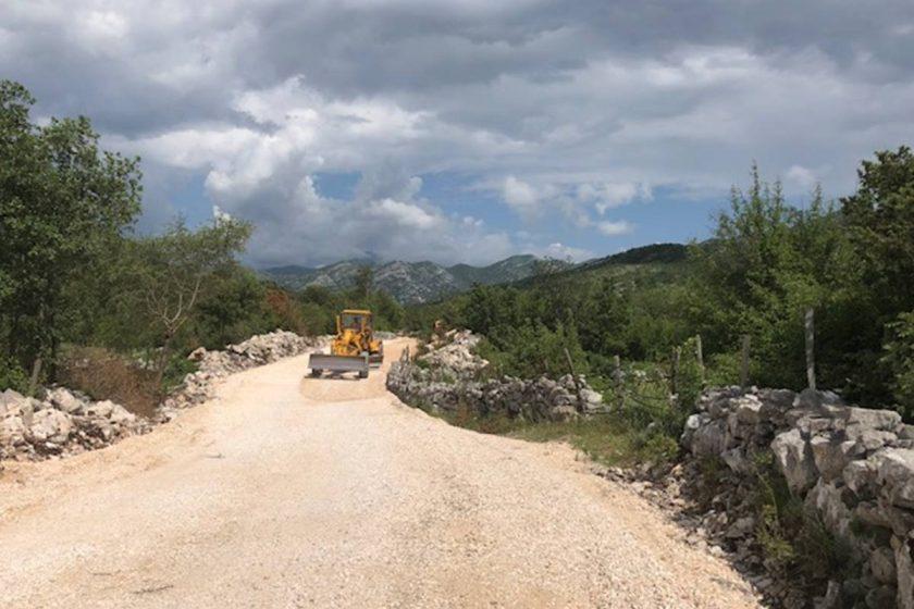 Predstavnici Općine Konavle sastali se s predstavnicima Hrvatskih cesta: Brza cesta neće prelaziti preko obiteljskih kuća i vinograda
