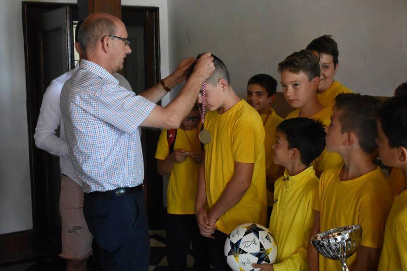 Načelnik Lasić primio nogometaše Nogometne akademije Konavle