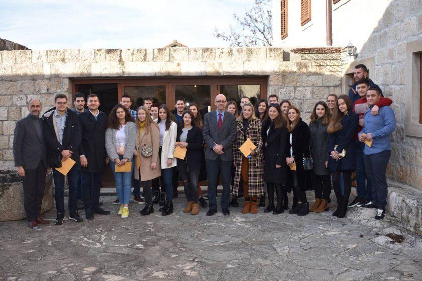 """Načelnik Lasić potpisao 62 studentske stipendije: """"Općina Konavle u hrvatskom vrhu po broju visokoobrazovanih ljudi"""""""