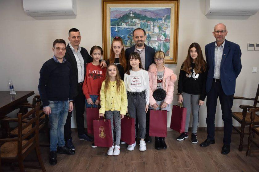 Načelnik Lasić primio uspješne judašice OŠ Cavtat