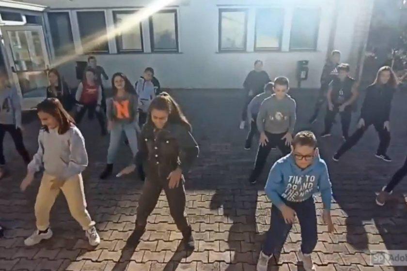 Učenici i djelatnici OŠ Cavtat Jeruzalemskim plesnim izazovom poželjeli svima sretan Božić i Novu godinu