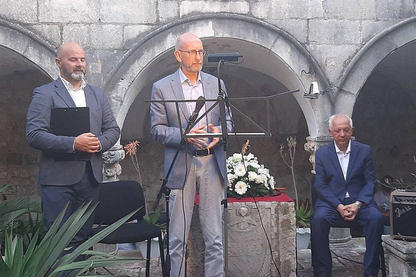 """Načelnik Lasić na predstavljanje knjige fra Luke Markovića """"Vremena tame"""""""