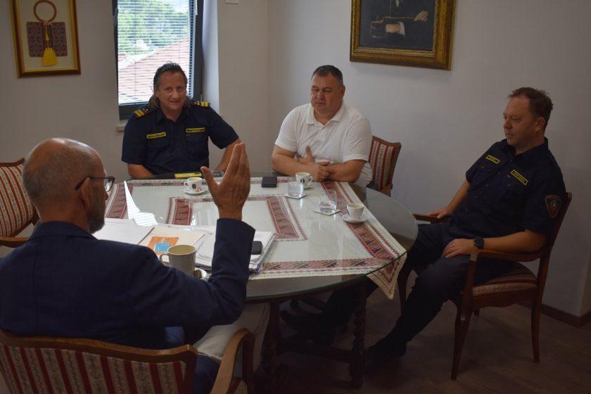 Načelnik Lasić primio državnog, županijskog i konavoskog vatrogasnog zapovjednika